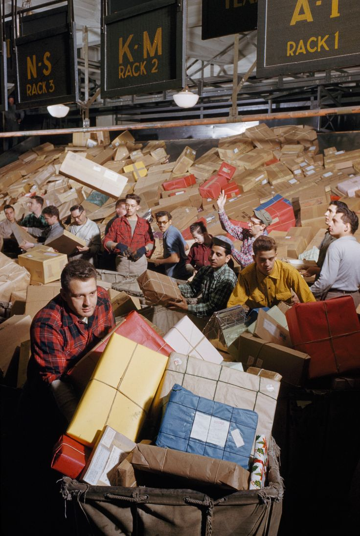 picture of postal workers
