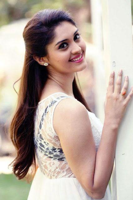 Actress Surabhi latest Cute Stills 2017