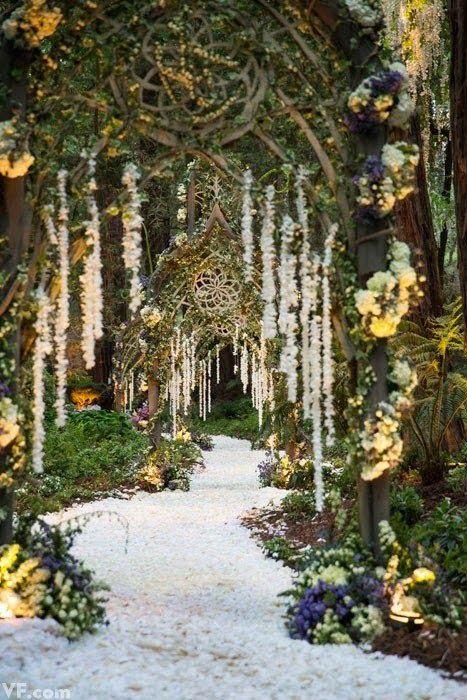 Noiva com Classe: Casamento: Sean Parker e Alexandra Lenas em Floresta de Contos de Fadas