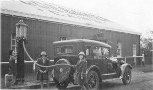 Refuelling at Elvery's Motor Garage, Toowoomba, Queensland, ca 1925-1930Local History and Robinson Collections, Toowoomba City Library | thefashionarchives.org