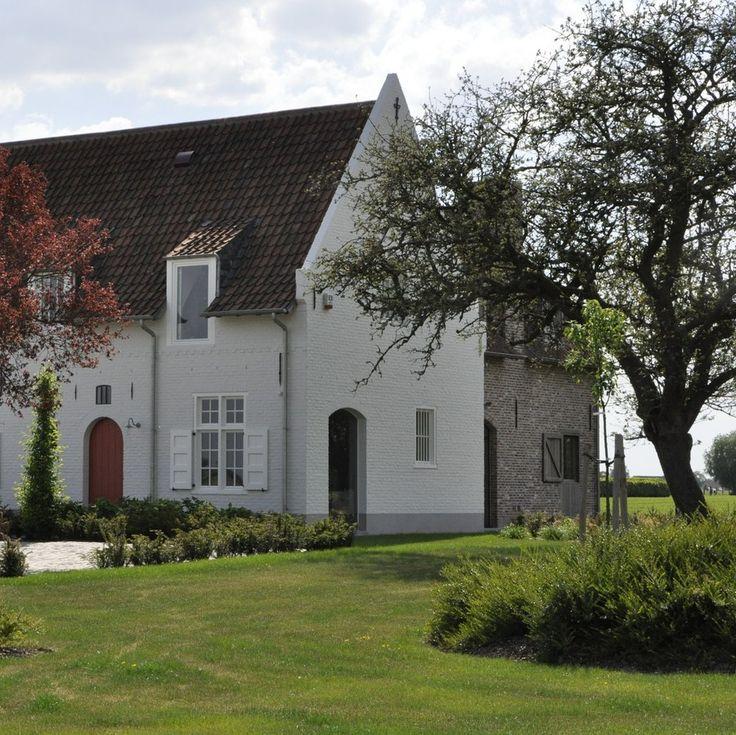 Flemish rural architecture - Beautiful home in Lotenhulle, Belgium. Realisation Timeless Living.