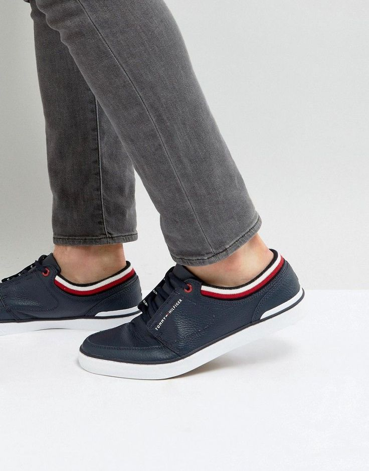 TOMMY HILFIGER HARRINGTON SNEAKERS LEATHER IN NAVY - NAVY. #tommyhilfiger #shoes #