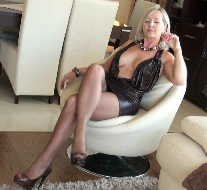 Nude milf photos Nude Photos