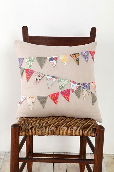 beautiful bunting cushion - try it with wedding photos for anniversary??