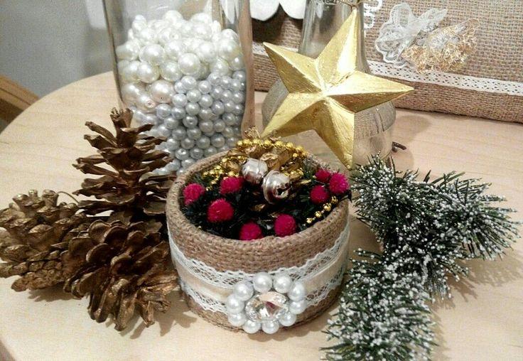 Christmas Mini Bouquet for corner table decoration by Niek's Burlap&Lace