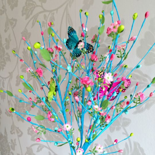 Easter Tablescape   Tradition. Sweden. Paskris
