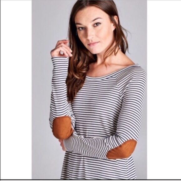 Striped Elbow Patch Tunic Tunic dress in navy blue and light grey/white. Patched faux suede elbows. Light weight fabric, cotton blend material. Sizes small Dresses