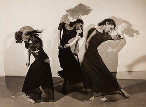 Woman photographers brought to light  exhibition - We are three women. We are three million women by Barbara Morgan, 1938