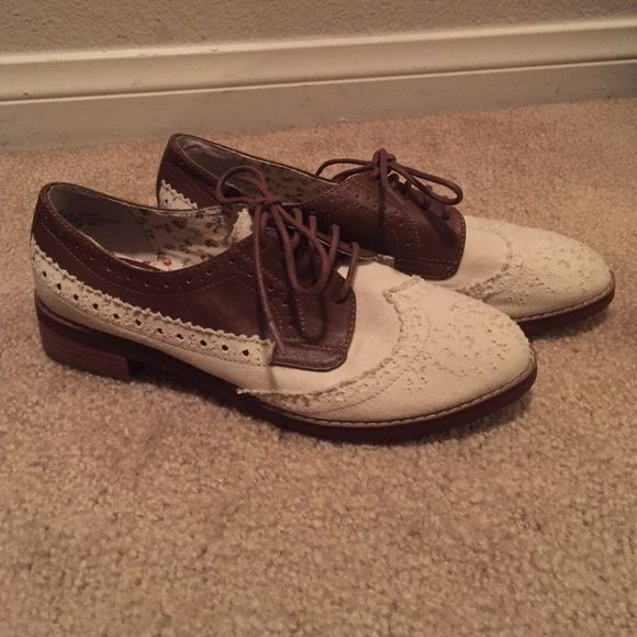 bp oxfords with white lace bp oxford shoes are light brown