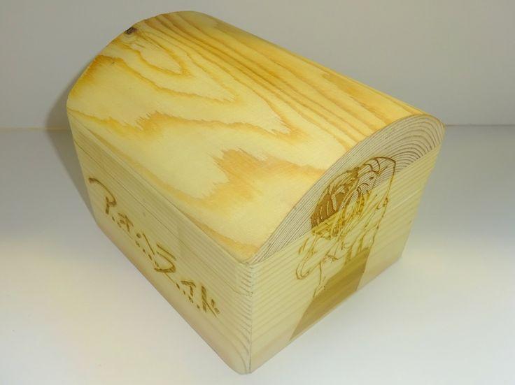 SC wooden box.