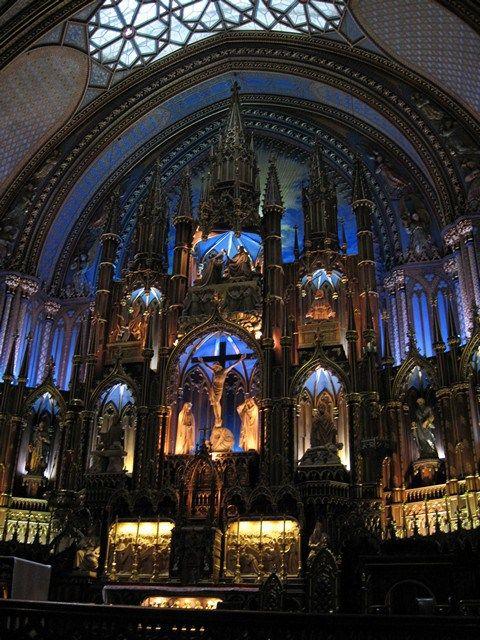 The amazing altar of Notre-Dame basilica