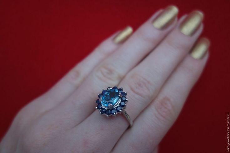 """Купить """"Дезири"""" - очаровательное кольцо с гол. топазом и сапфирами - синий, синие камни кольцо"""