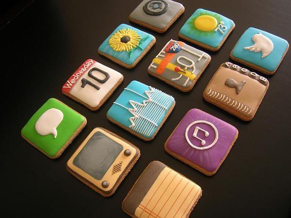 @Dani Boglivi-Fiori Love this idea! ... Cookies decorated to look like iPhone app icons - nom!