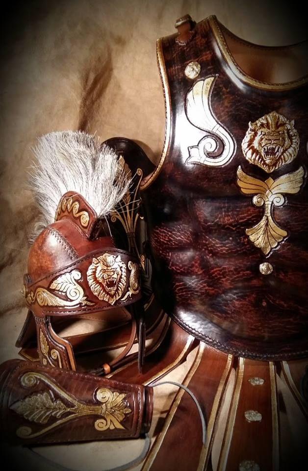 Az ókori Róma hadászatának páncéljai ihlették az általam készített,bőrből megalkotott darabokat.Jelenleg színdarabokban használják az elkészített viseleteket,anyagukat és technikai jellegüket tekintve nem rekonstrukciók.Több réteg marhabőrből, kézi varrással összeillesztett, domborított formákból áll … Folytatás