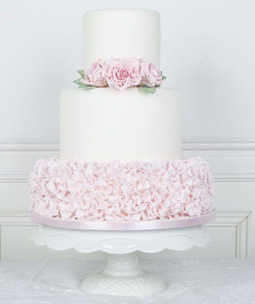 Juliette Ruffles #Bryllupskake #CakesbyHancock #Bryllup