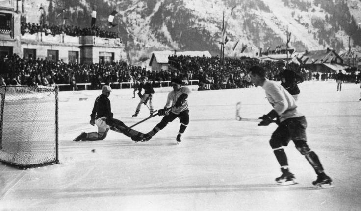 The 1924 Canadian Olympic Hockey Team > Buzzfeed's 64 Superb Vintage Pictures Of The Winter Olympics