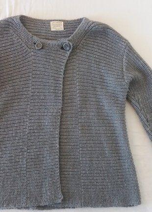 Kupuj mé předměty na #vinted http://www.vinted.cz/deti/svetry-a-mikiny/16287921-sedy-pleteny-svetr-na-dva-knofliky