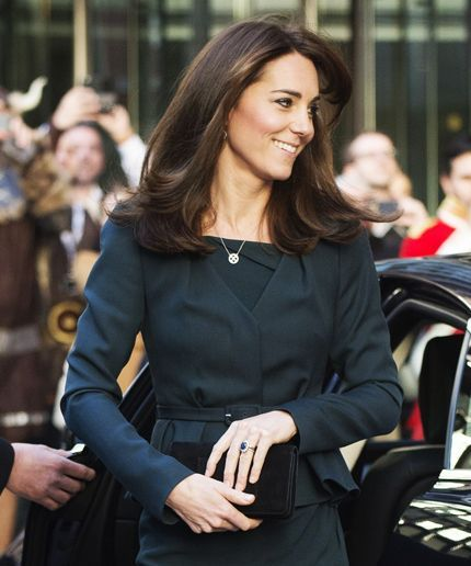 Kate Middleton Haircut | Kate Middleton gets a mini chop. #refinery29 http://www.refinery29.com/2015/12/99180/kate-middleton-haircut: