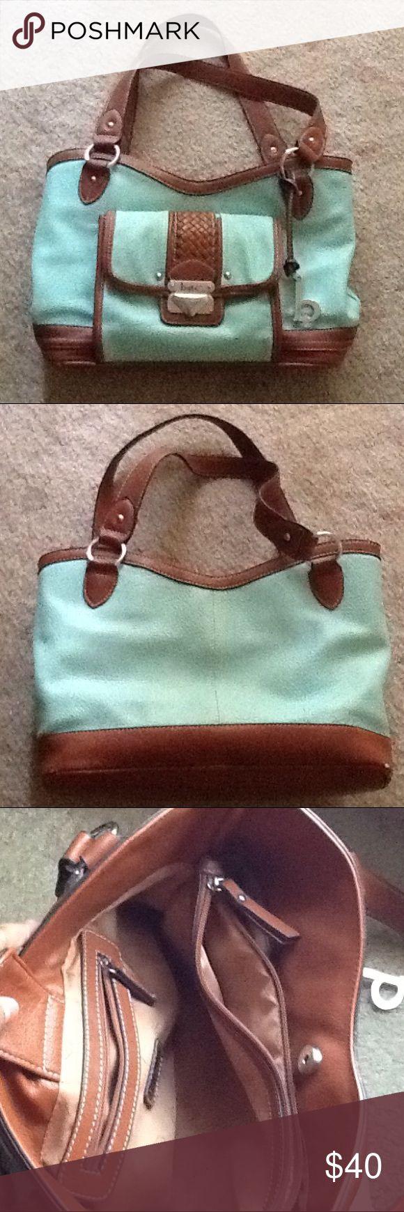B.O.C. Purse B.O.C. Mint purse, hardly used. b.o.c. Bags Shoulder Bags
