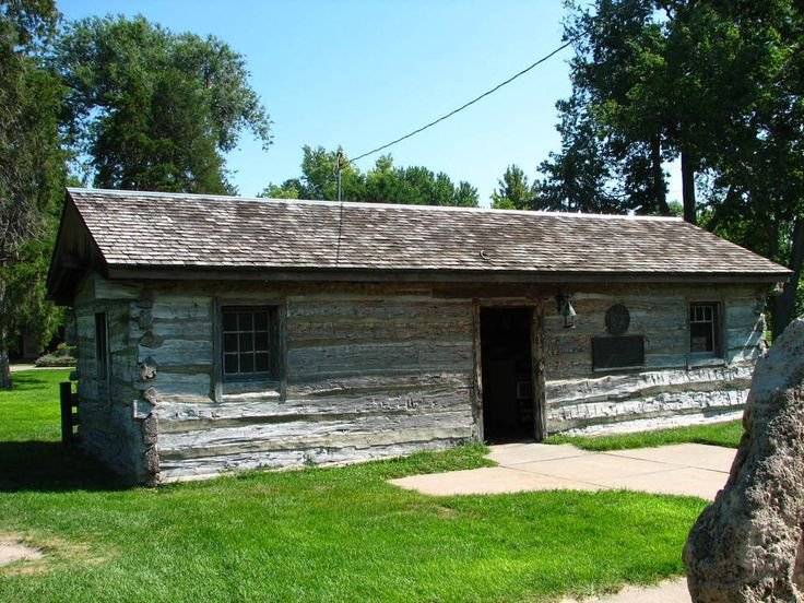 .Original Pony Express station – log cabin in Goth…