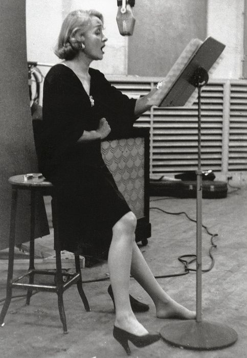 Marlene Dietrich at a recording studio in 1952 (taken by Eve Arnold):