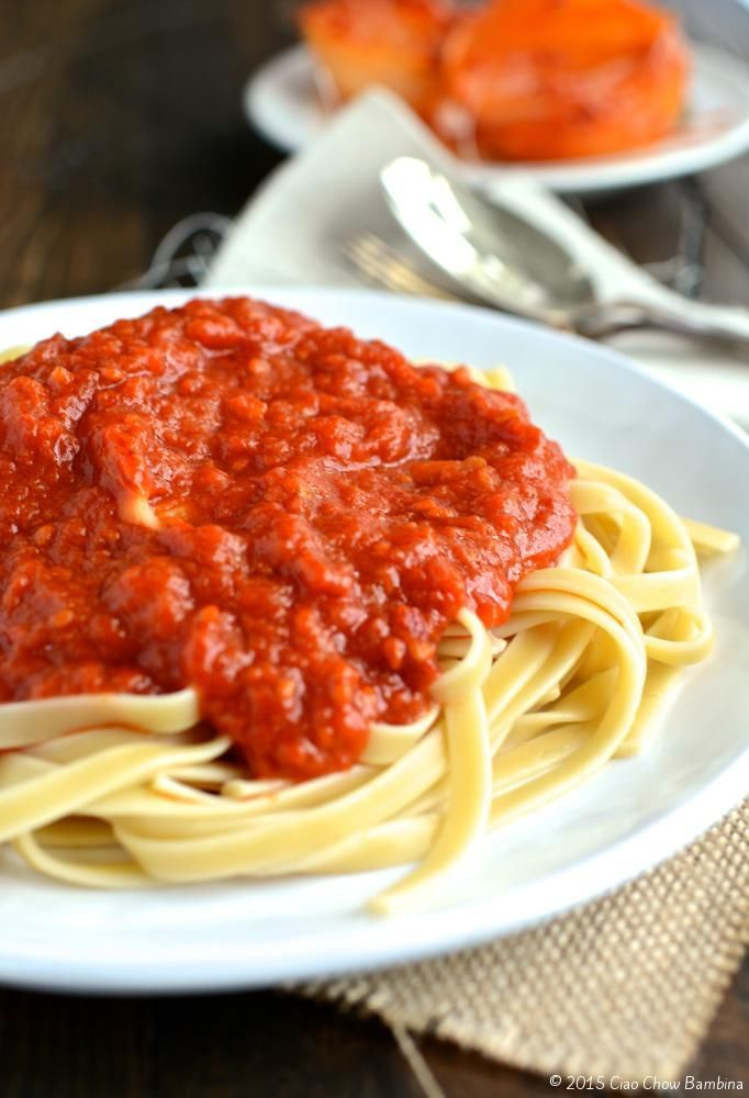 Marcella Hazan's Tomato Sauce with Butter and Onion  http://ciaochowbambina.com