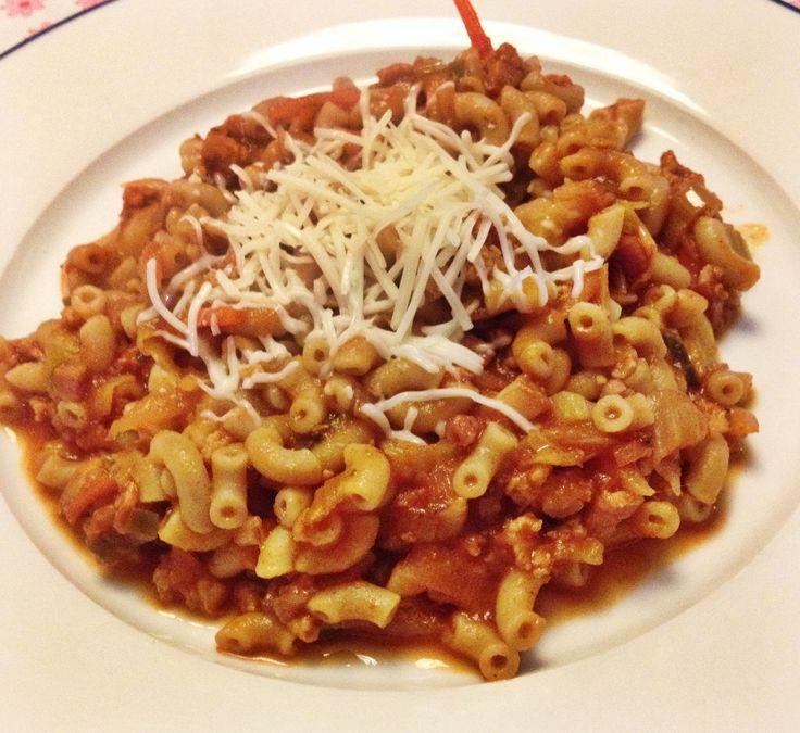 Ouderwetse+macaroni+met+rode+saus