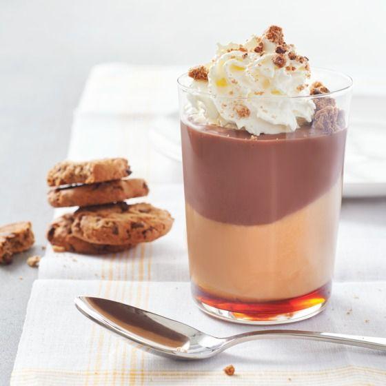 Heerlijke flipvariatie met koekkruimels, karamelsaus en karamel- en chocoladevla. #vlaflip #dessert #jumbosupermarkten