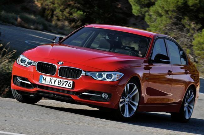 BMW Serie 3 2012, lanzamiento en Argentina: La casa bávara presenta en el país la sexta generación de este sedán con cambios en su diseño y a un precio inicial de 313.900 pesos > http://www.conduciendo.com/bmw-serie-3-2012-lanzamiento-en-argentina-4884