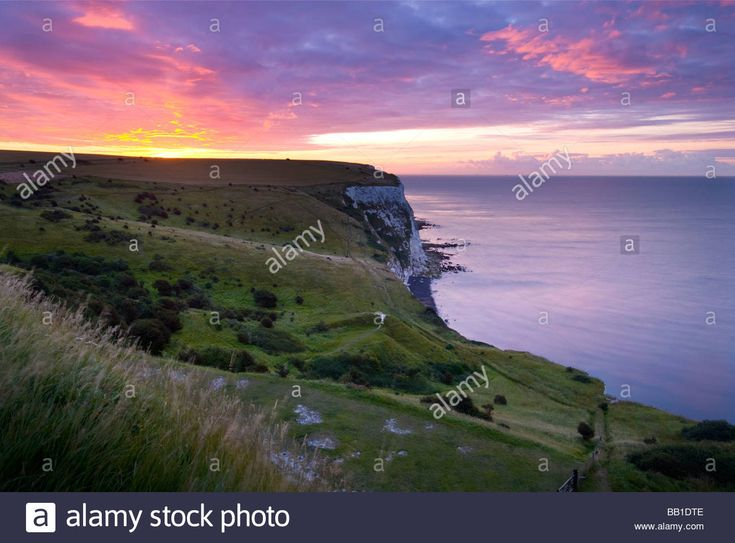 Download this stock image: Sunrise over the white cliffs of Dover, Kent. England. - BB1DTE from Alamy's library of millions of high resolution stock photos, illustrations and vectors.