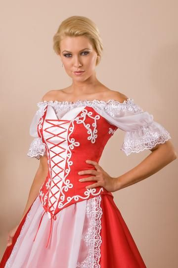magyaros menyecske ruha blúzzal