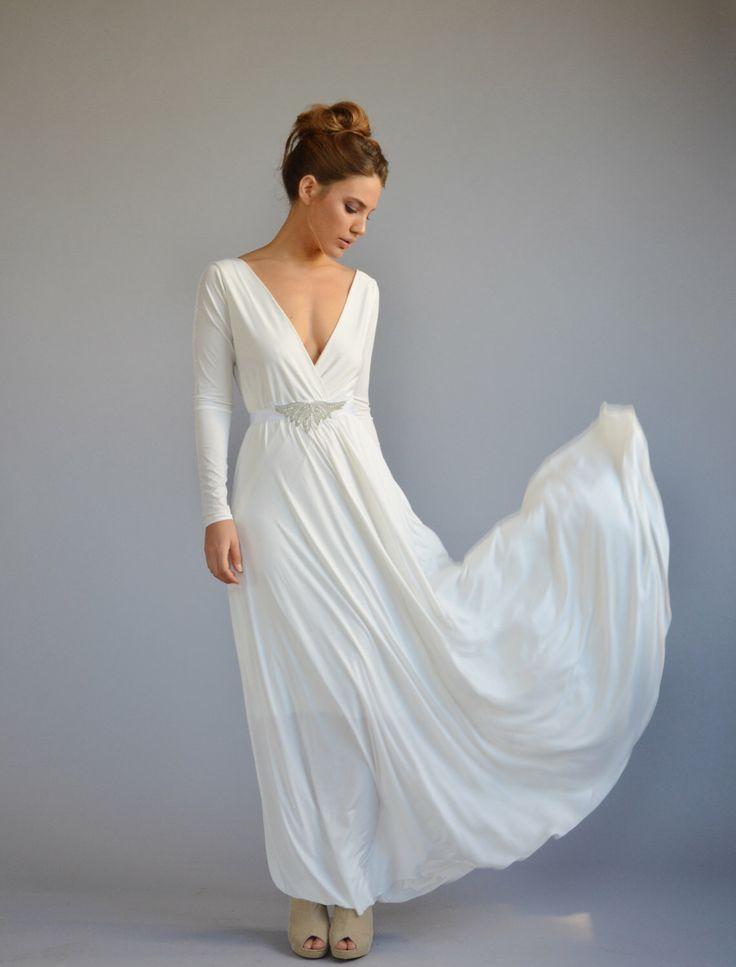 Longueur de plancher simple robe blanche, ceinture bijoux perlés, jupe forme cloche par Barzelai sur Etsy https://www.etsy.com/ca-fr/listing/255664189/longueur-de-plancher-simple-robe-blanche