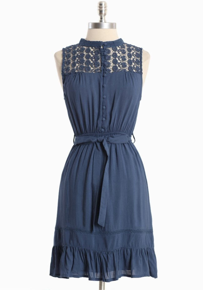 I can see myself prancing around the French countryside in this dress.  Of course, I'm a blonde, leggy and model thin in this vision.