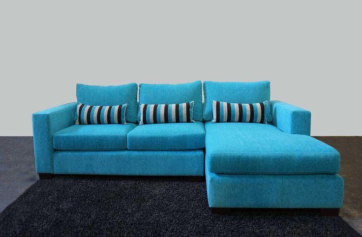 Sofá seccional con chaise longue tela benidorm calipso con cojineria listada. http://livingstore.cl/producto/sofa-seccional-monaco-3-cuerpos-chaise-longue-benidorm-calipso-d21/