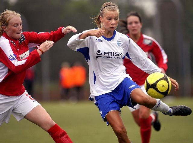 Ada Stolsmo Hegerberg playing for Kolbotn (Norway) #womensoccer