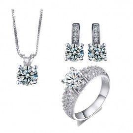cercei, colier si inel http://www.bijuteriifrumoase.ro/cumpara/cercei-colier-si-inel-argintii-3345