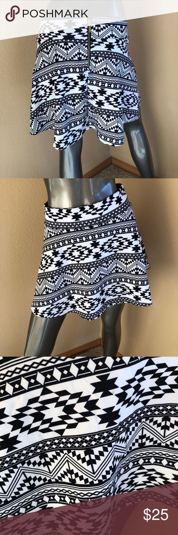 Black & white Aztec print skirt! 🌟 small Black & white Aztec print skirt! 🌟 small. Charlotte Russe Skirts Circle & Skater