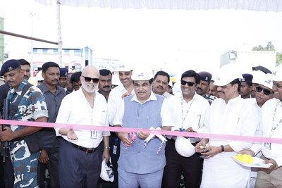 Praj demuestra con éxito su tecnología de etanol celulósico    PUNE la India Mayo 2017 /PRNewswire/ - Nitin Gadkari Ministro de Transporte por Carretera Autopistas y Navegación de la India inauguró la planta de demostración de etanol celulósico de Praj cerca de Pune India el 7 de mayo de 2017. Es la primera bio-refinería integrada de la India construida para mostrar la tecnología de vanguardia del proceso patentado de Praj para producir etanol a partir de residuos agrícolas. La planta de…