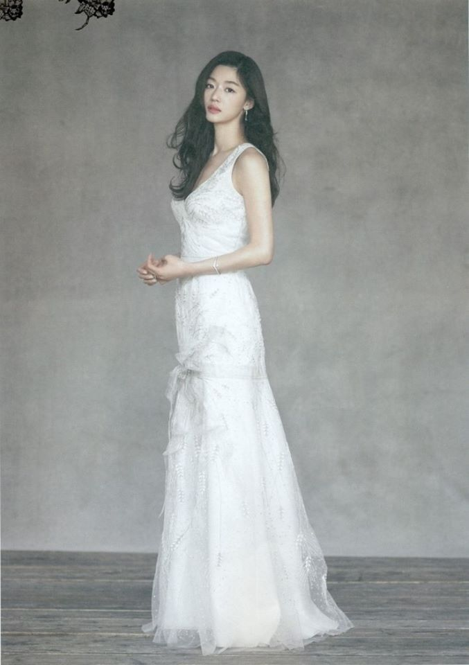 Photos of Top Korean Actress Jun Jihyun Purba Java Indo