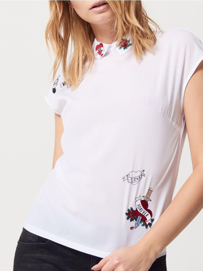 Bluzka z haftem przy kołnierzu, MOHITO, RC323-00X