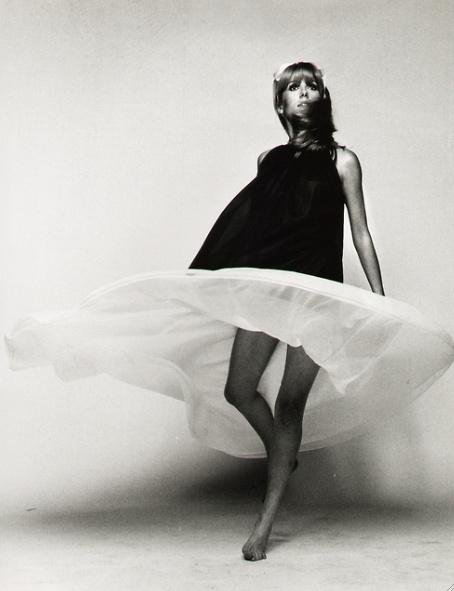 : 1960S Dresses, Flowy Dresses, Fashion Style, Black And White, Catherine Deneuve, 1960S Fashion, Posts, Style Icons, Catherine Zeta-Jon