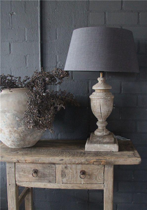 Mooi..gemetselde muur overgeverfd maar dan in een warme landelijke kleur i.p.v.dit koele grijs