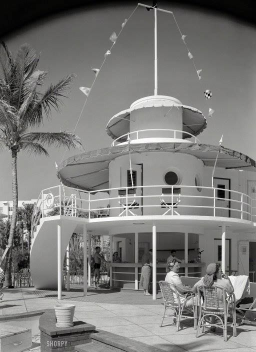 1941 Raleigh Hotel S Snake Bar On Collins Ave In Miami