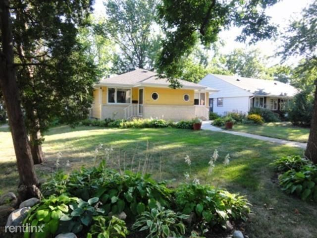 6221 Oxford St Saint Louis Park Mn 55416 2 Bed 1 Bath Multi Family Home For Rent 10 Photos Trulia Multi Family Homes Home And Family Renting A House