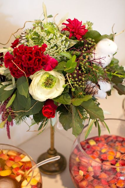 Naomi Rose Floral Design | Bohemian styled Christmas flowers | Red | Cotton flower | Green Rose