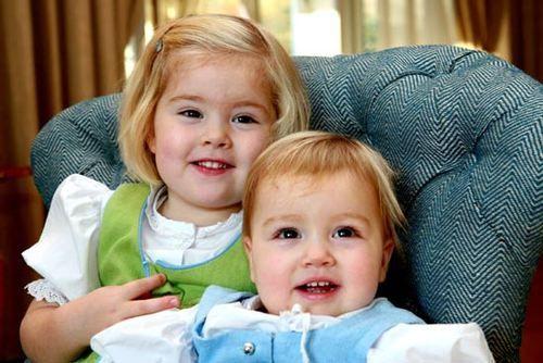 yoursweetremedy: Princess Catharina-Amalia and Princess Alexia