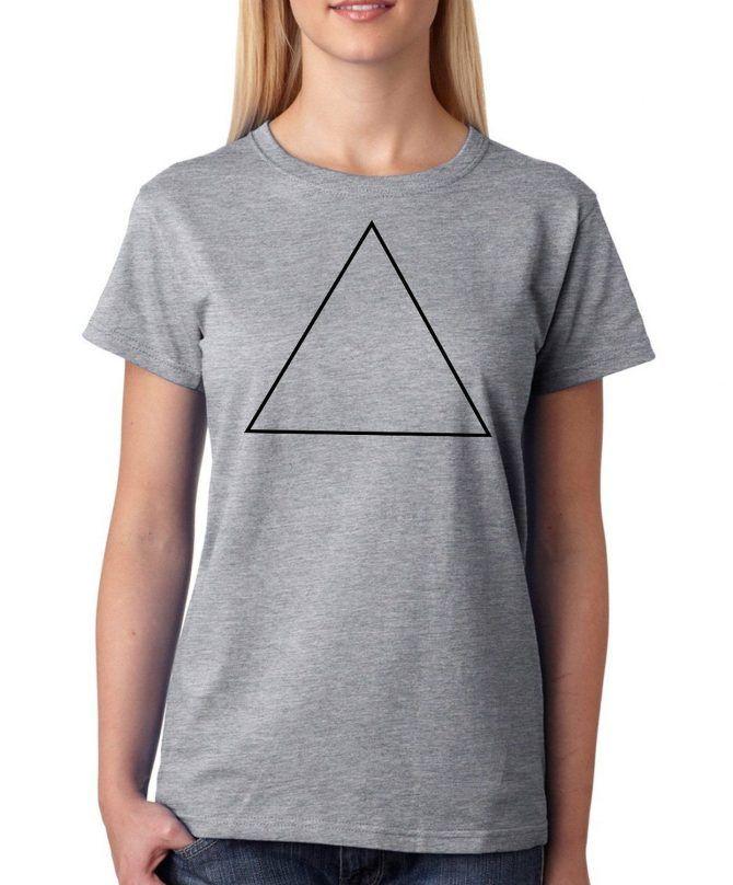 Camiseta mujer gris con diseño triángulo hipster. Cómoda y sencilla, el regalo perfecto para esta primavera-verano!