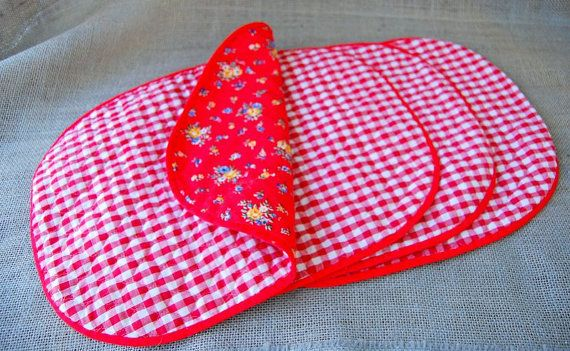 Vintage/Retro Red Floral and Gingham Place Mats (Retro Kitchen/Country Kitchen Placemats) #vintage #midcentury #mcm #1950s