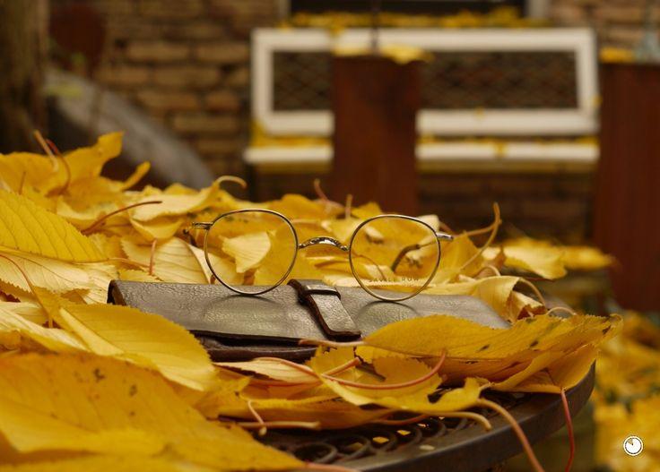 Neu gefertigte Pantobrille aus Walzgolddoublé mit W-Steg