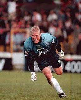 Peter Schmeichel - one good reason we finally were Champions in 1999-2000, after a long 18 year wait